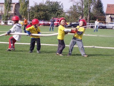 Závody malých hasičů